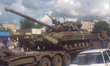 Video: No Harkovas apgabala uz Doņecku ved tankus