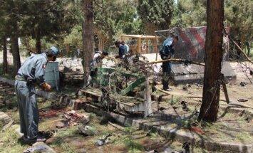 Sprādzienā pie bankas Helmandā desmitiem nogalināto