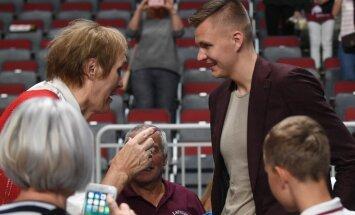 ФОТО: Встреча Кристапа Порзиньгиса и Ульяны Семеновой
