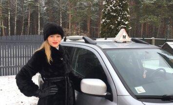 Nesievišķīgā profesija: kā jaunā māmiņa Jūlija kļuva par braukšanas instruktori
