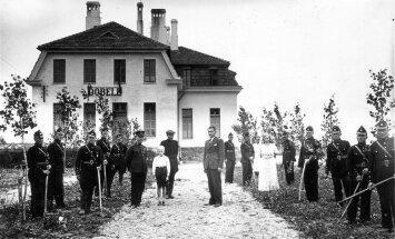Senās dzelzceļa stacijas Latvijā: otrā daļa