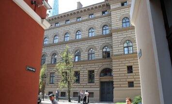 Saeimas ēkas par pusmiljonu eiro tīrīs 'Clean R'