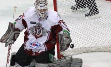 Rīgas 'Dinamo' ar uzvaru Maskavā nodrošina vietu KHL Gagarina kausa izcīņā