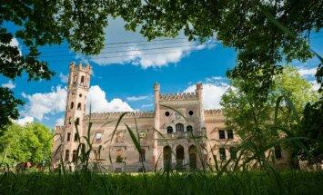 Pārbaudi sevi! Vai atpazīsti šīs 10 Latvijas pilis un muižas?