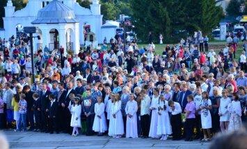 Aglonas svētkos piedalījušies ap 100 000 cilvēku; svinētāju skaits nedaudz sarucis