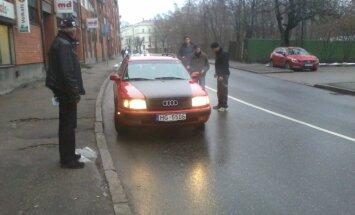 Aculiecinieks: Sadovņikova ielā BMW ietriecas 'Audi'