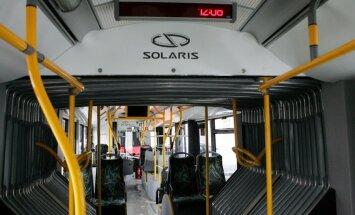 Jaunajai māmiņai par agresīvu uzvedību 3. autobusā piespriež 150 eiro sodu