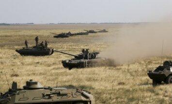 Ukraina pie Krimas aizturējusi divus Krievijas karavīrus