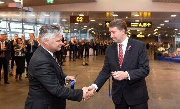 Foto: Rīgas lidostā atklāj par 26 miljoniem eiro izveidoto jauno Ziemeļu piestātni