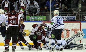Sprukta vārti pagarinājumā atnes Rīgas 'Dinamo' uzvaru