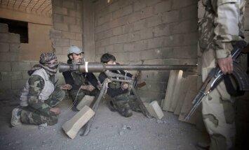 ASV Sīrijas nemierniekiem sniegs palīdzību; ieročus nepiegādās
