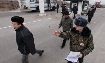 Sankciju sarakstos iekļautie Krievijas deputāti pamanās viesoties Eiropā