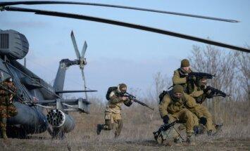 Latvijas robežas tuvumā notiek plašas krievu desantnieku mācības