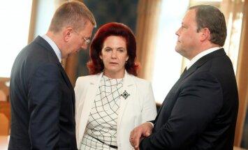 """Аболтиня надеется, что новое руководство """"Единства"""" сделает ее советником"""