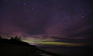 Foto: Latvijā naktī novērota spilgta ziemeļblāzma