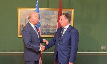 Kučinskis ar ASV viceprezidentu Baidenu pārrunājis Latvijas energodrošību