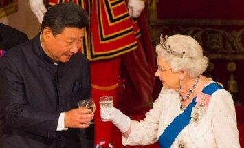 Karaliene Elizabete II nofilmēta, kritizējot 'ļoti rupjās' ķīniešu amatpersonas