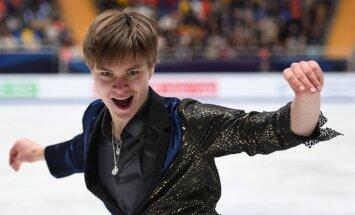 Slidoju, lai gūtu prieku un sajustu enerģiju no publikas, uzsver daiļslidotājs Vasiļjevs