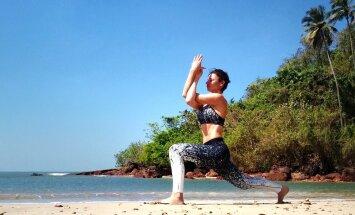 Bez interneta, haosā un laimē: jogas pasniedzēja Maija Meijere par sevis pilnveidošanu Indijā