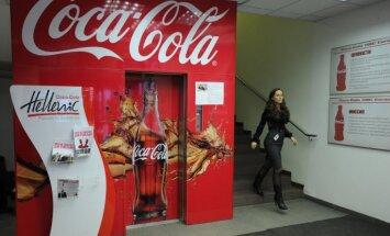 Foto: 'Coca - Cola' cīņa par Krievijas tirgu – ieskats Maskavas rūpnīcā