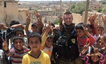 'Daesh' atbildēja tikai ar lodēm. Itālis Klaudio 'Delfi' stāsta par septiņiem mēnešiem Sīrijas frontē