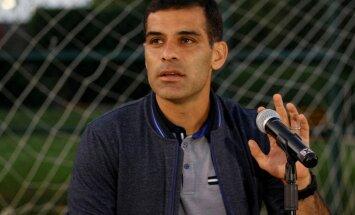 Meksikas futbola izlases kapteinis tiek turēts aizdomās par līdzdalību narkokartelī
