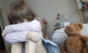 Uz pusi pieaudzis vardarbībā cietušo bērnu skaits; izvērsīs plašu traumatisma izskaušanas kampaņu