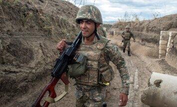 ĀM pauž bažas par militāro sadursmju uzliesmojumu Kalnu Karabahā