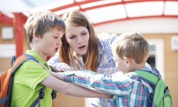 Latvijas skolas visvairāk cieš no disciplīnas trūkuma, uzskata vairums aptaujāto