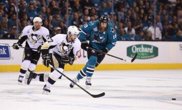 'Penguins' nonāk uzvaras attālumā no triumfa Stenlija kausā