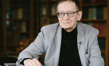 Поэт Рокпелнис: после моего признания о работе на КГБ общество выражает поддержку