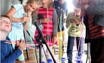 Foto: 'Dzejas dienas' bērniem – iznāk Lediņa un Boiko 'Ūdenslīdējs'