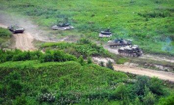 Krievijā ar 5000 tanku piedalīšanos notiek kopš padomju laikiem plašākās militārās mācības