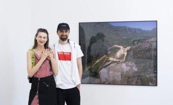 Foto: 'Rīgas Fotomēneša' īpašie viesi 'Synchrodogs' laikmetīgās mākslas centra 'kim?' jubilejā