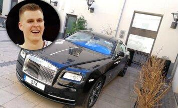 Foto: Porziņģa 'Rolls-Royce' no Liepājas ieradies Rīgā
