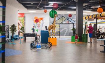 """В Rīga Plaza до сентября можно бесплатно посетить Центр любознательности """"Zinoo"""""""