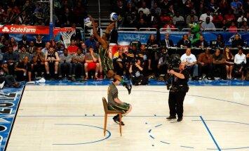 Diennakts basketbola turnīrā 'Krastu mačs' viesosies NBA spēlētāji