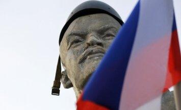 ES līderi samitā aizstāv Krievijai noteiktās sankcijas