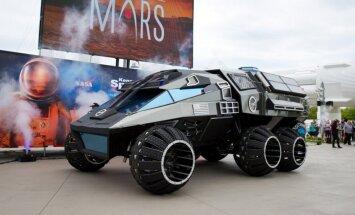NASA inženieri izstrādājuši prototipu cilvēka braukšanai pa Marsa virsmu