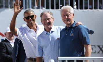 Foto: Trīs bijušie ASV prezidenti bauda golfa spēli