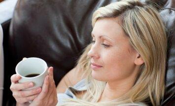 Mūžīgais jautājums - vai un cik daudz kafijas var dzert grūtniecības laikā