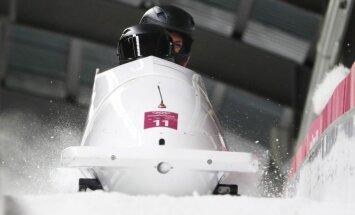 OAR dopinga skandāls Phjončhanā turpinās: 'iekritusi' arī bobslejiste