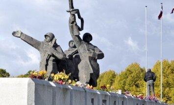 Rinkēvičs Krievijas medijiem skaidro jezgu ap Uzvaras pieminekli