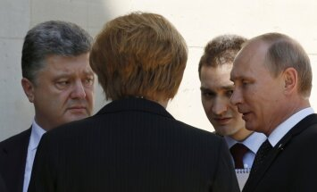Путин пообщался с Порошенко в присутствии Меркель