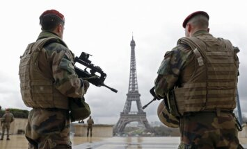 Francijas vadība vēlas atkal pagarināt ārkārtas stāvokli valstī