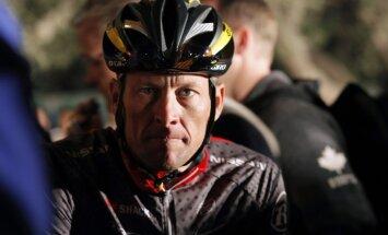 UCI izlemj nepārdalīt Ārmstronga izcīnītos 'Tour de France' uzvarētāja titulus