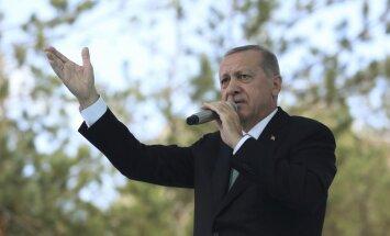Erdogans sola nepakļauties ASV 'draudiem'