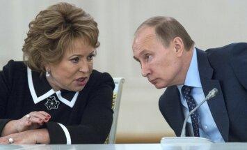 Krievija nevar jaunās Rietumu sankcijas atstāt bez atbildes, paziņo Krievijas spīkere
