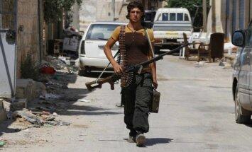 Sīrijā ieradusies jauna ASV nometnē apmācītu nemiernieku grupa