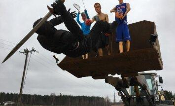 Foto: Ostapenko, Briedis un Porziņģis – Babītē atkal 'satriec Melno bruņinieku'